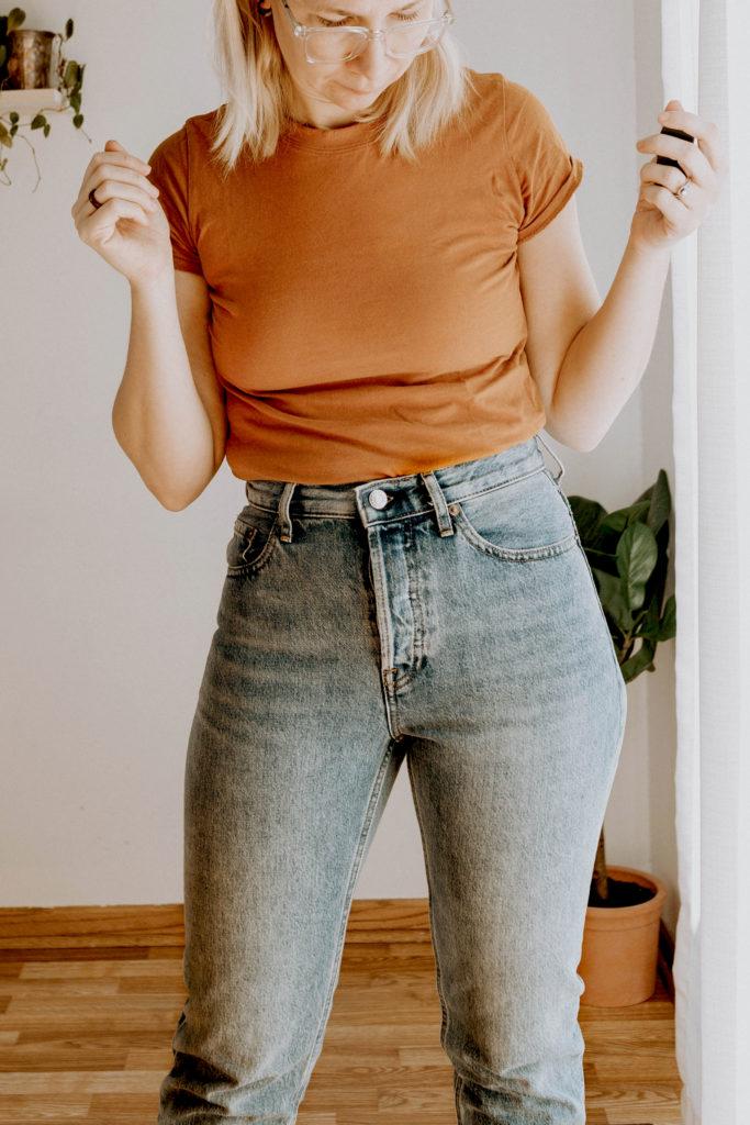 Everlane Denim Guide, Everlane Denim Review, Acid Washed Jeans, 90's Jeans, Vintage Jeans, High Waisted Jeans