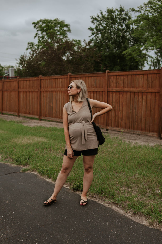 30 Days of Summer Style Day 17: Black Linen Shorts