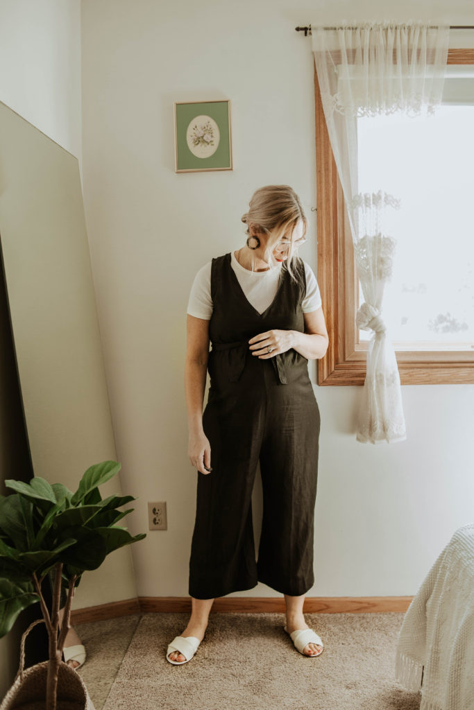 Transitional Summer to Fall Outfitshackwith basics jumpsuit, everlane microrib tee, everlane day sandals