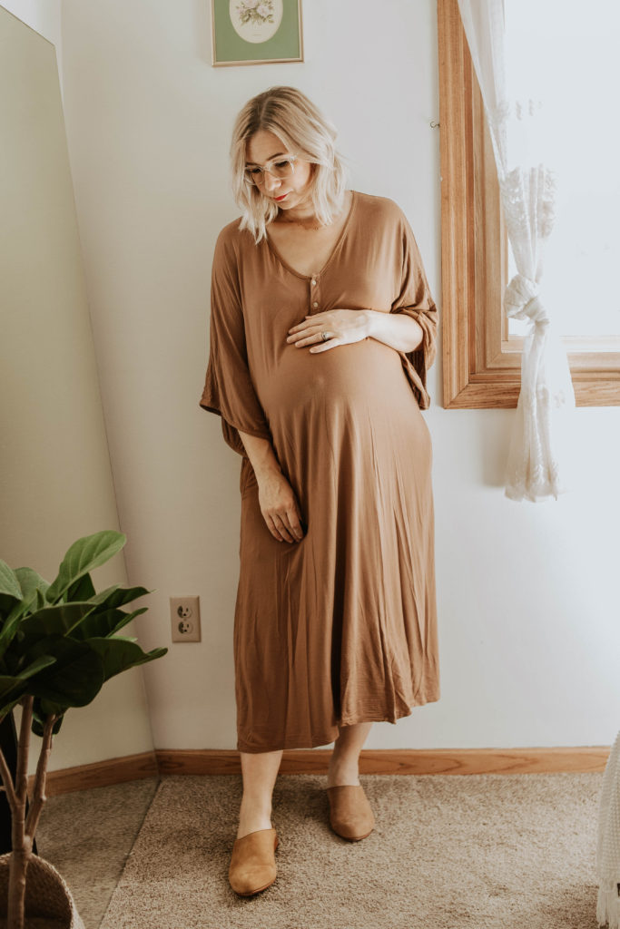 Transitional Summer to Fall Outfitsdwell & slumber dress, nisolo mules, maternity dress