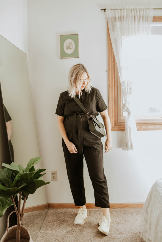 third trimester fall outfits, tradlands jumpsuit, everlane tread, friday by jwpei crossbody bag