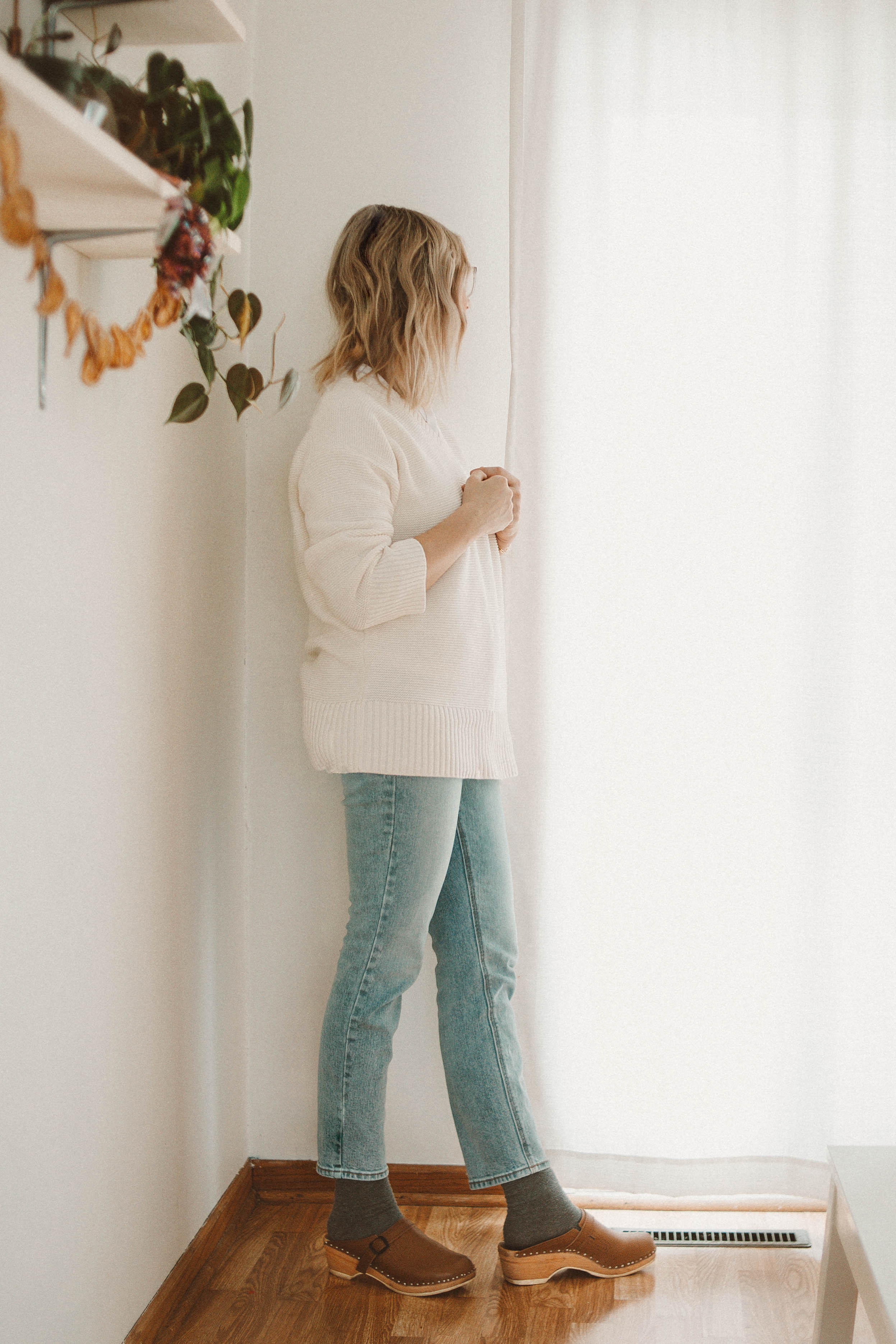 Real Winter Outfits Day 4: Changing things Up, Everlane Link Stitch Sweater, Vintage Denim, Old Navy Denim, Troentorp Clogs