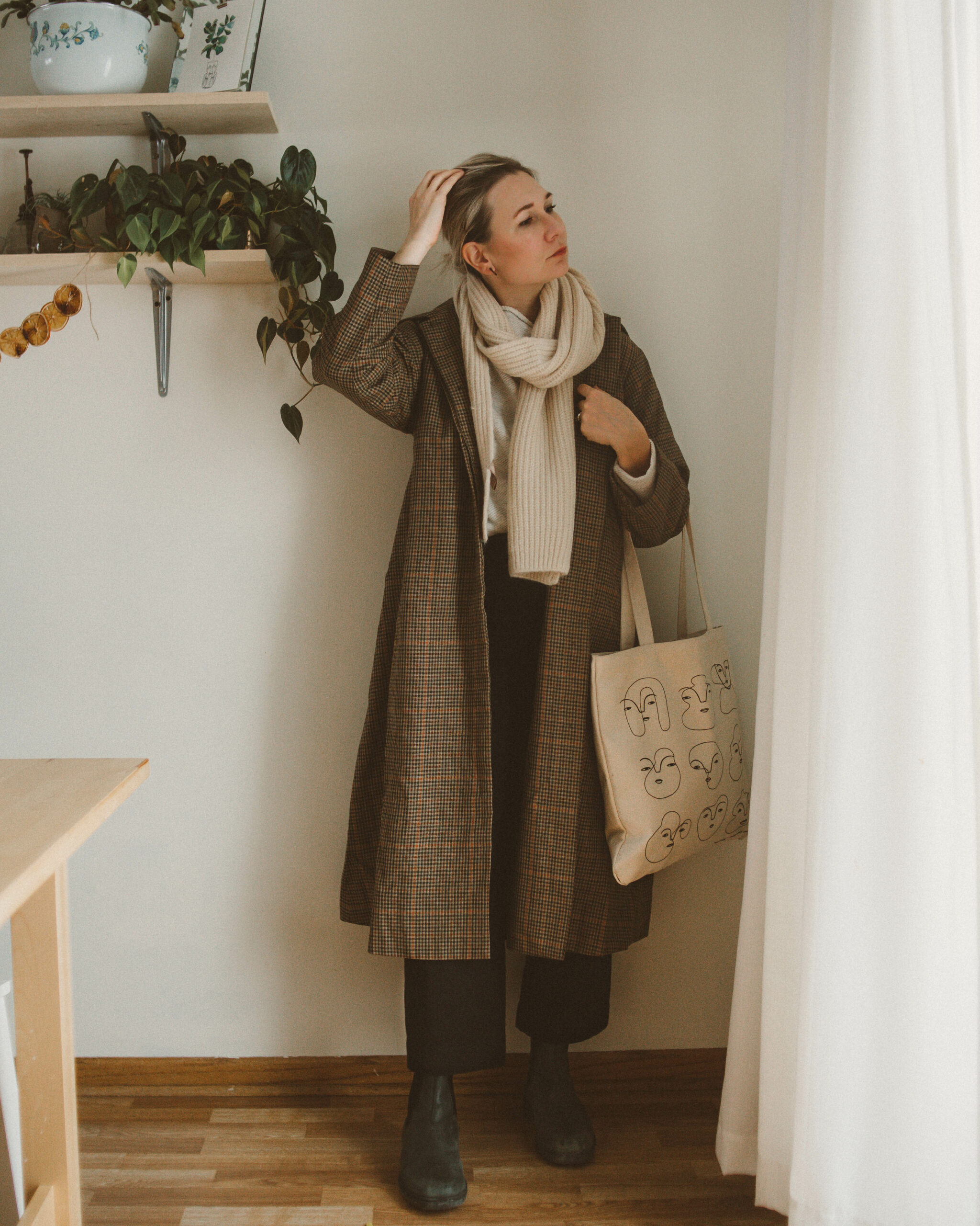 Blundstones Mini Review: A Week of Styling Ideas, toteme coat, plaid coat, black wide leg pants, ribbed scarf