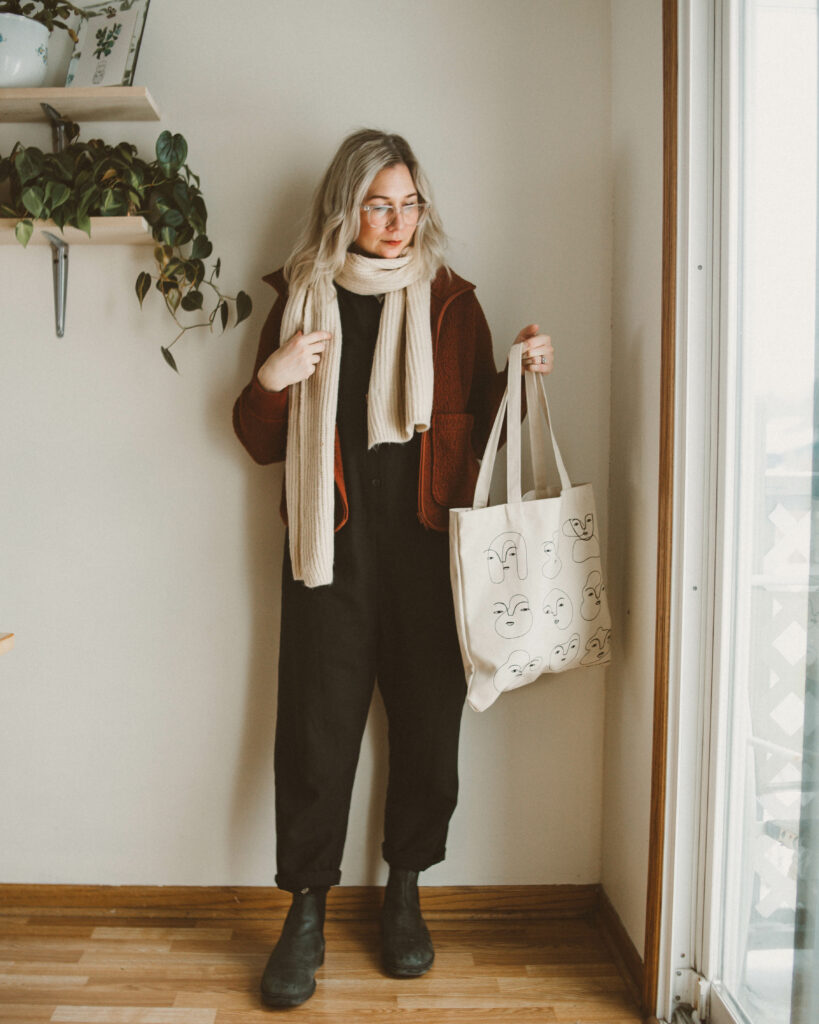 Blundstone Boot Review: A Week of Styling Ideas, madewell fleece jacket, tradlands jumpsuit, blundstone boots, wool scarf