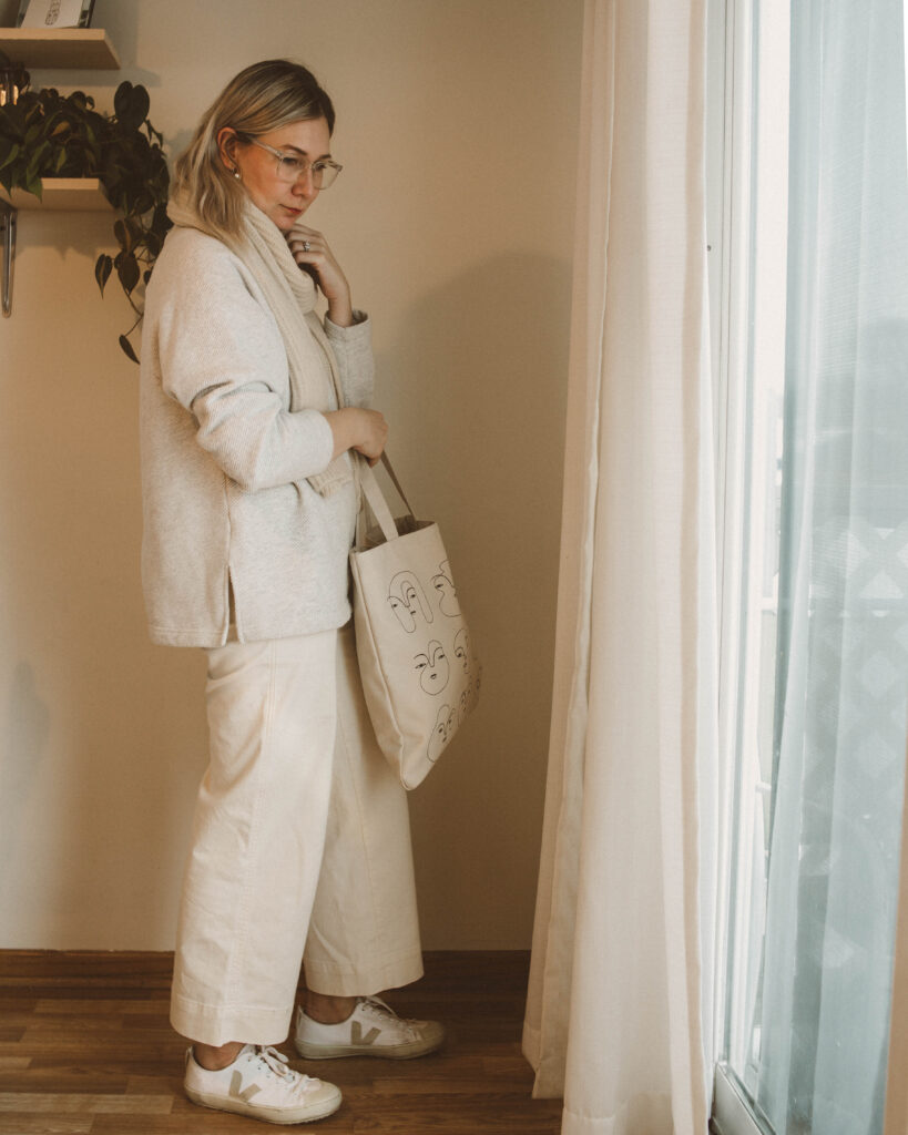 winter dressing at it's finest, gap sweatshirt, white wide leg pants, veja sneakers, wool scarf, canvas tote bag
