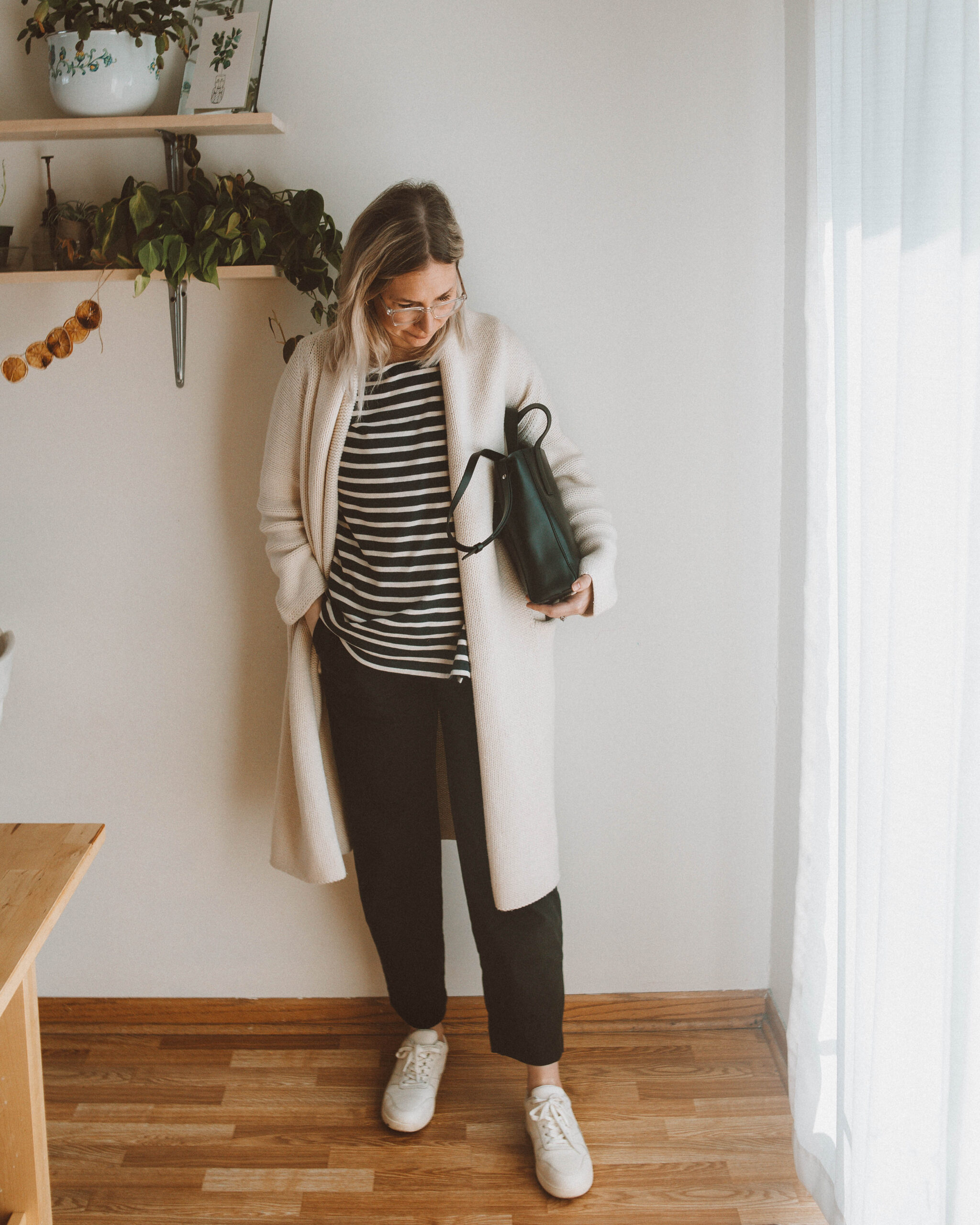 A Week of Nursing Friendly Outfits with Boob Design