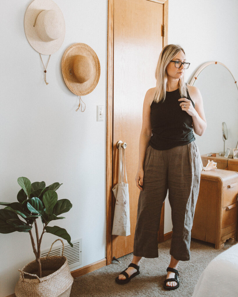 Linen Loungewear: 5 Outfit Ideas, everlane cotton cutaway tank, linen pants, black teva sandals